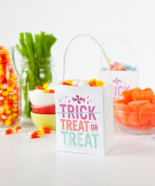 Download-these-Treat-or-Treat-labels-by-Design-Eat-Repeat1.jpg1